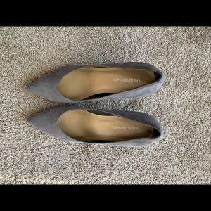 Grey pointed toe heel